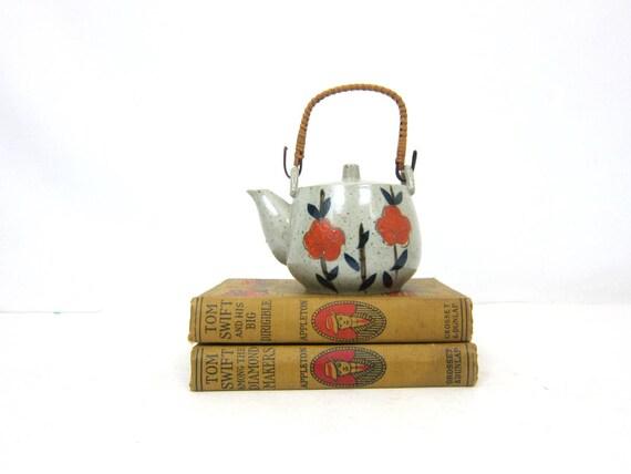 Small Vintage Painted Teapot Earthy Kitchen Decor Orange Flowers Ceramic Pottery Kettle Ranch Home Serving Tea Pot GS