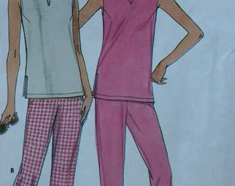 Simplicity 9259 Misses Summer Sleeveless Top and Crop Pants Pattern  Misses, Misses Plus size 1 to 20