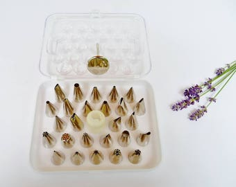 Wilton 28 Piece Deluxe Tip Set, Includes Coupler, Flower Nail - Cakes Cupcakes Cookies Brownies Decorating Kit