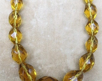 A Graduated Faceted Amber Crystal Necklace