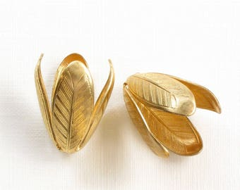 As-Is Sale 2 Large brass LEAF jewelry bead end caps. 21mm x 13mm (ST112)