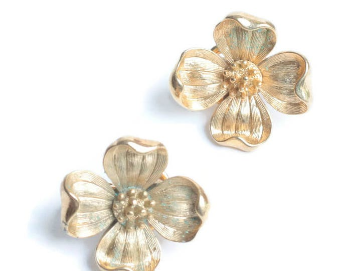 Crown Trifari Dogwood Flower Earrings Clip On Gold Tone Vintage