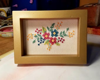 Delicate Floral Cross Stitch