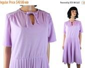 ON SALE Vintage 70s Dress Sz XL  Short Sleeve Pleated Skirt Light Purple Keyhole Neck Free Us Shipping