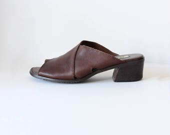 Vintage 1990s Brown Leather Chunky Heel Slides, size 8