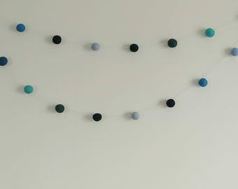 Blue waves woolball garland
