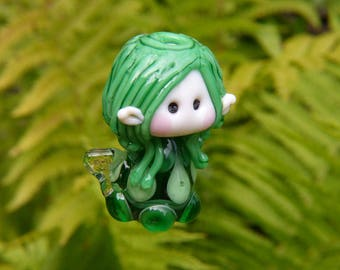 Little Fairy of the Green Leaves glass bead