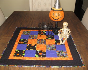 Halloween Table Topper