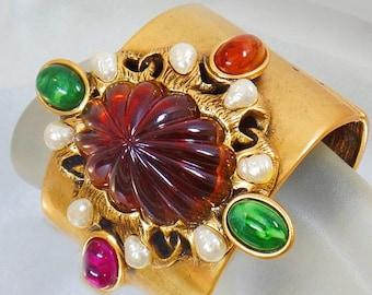 SALE Vintage Rare Oscar de la Renta Bold Gold Clamper Bracelet.  Molded Stone and Pearl Clamper Cuff Bracelet.