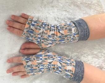Blue-gray  fingerless  gloves
