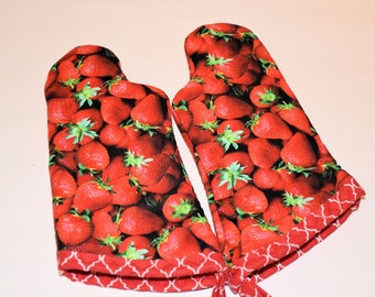 Kid Strawberry Oven Mitt Set/Birthday Gift/ Gift for Girls/ Christmas Gift/ Playhouse/ Home Decor/ Children's Gift/ fun gift/ Gift for kids