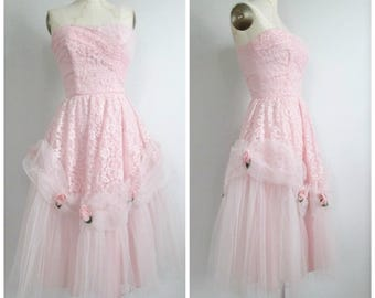 1950's Pink Prom Dress Lace Tulle Millinery Roses Metal Zipper Strapless XS Bust 33 Waist 24