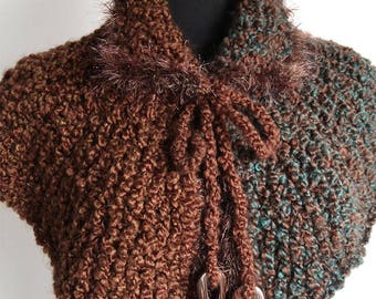 Outlander Inspired Brown Green Color Chunky Knitted Claire's Capelet Cape Collar Faux Fir Trim Cowl Gaiter with Cord Ties Wooden Beads
