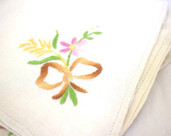 Bouquets Embroidered Linen Napkins x 12