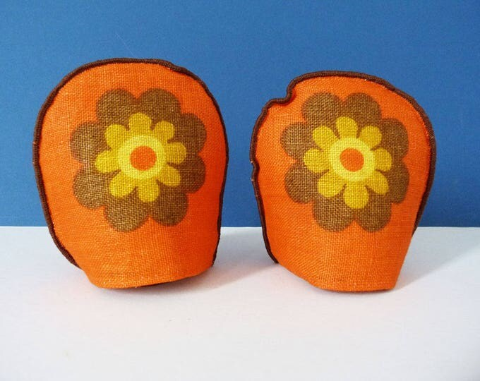 Vintage daisy flower power Egg warmers