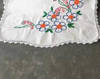 Vintage Embroidered Dresser Scarf,