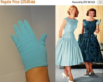 Anniversary Sale 35% Off Crystal Blue Holiday Waters - Vintage 1950s Grandoe Turquoise Nylon Just to the Wrist Gloves - 6/6.5