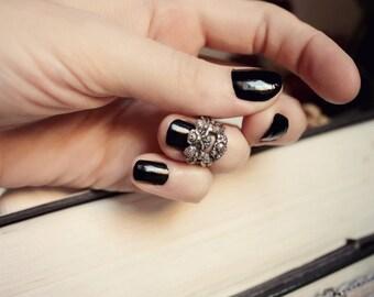 Silver Rococo Midi Ring - Romantic Nail Jewelry - Fantasy Winter Wedding - Fashion - February - Cupid - Love - Valentines Day - Mardi Gras