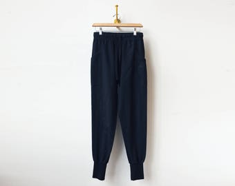 Black Relaxed Fit Sweats   Skinny Jogger Style   Black Pants   Cargo Pockets    Loose Fit   Cotton Sweats   Athleisure Workout Pants