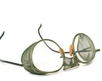 Vintage Goggles  /  Welding or Safety Glasses (c.1950s)  /  Steampunk Accessory  /  Welders Goggles