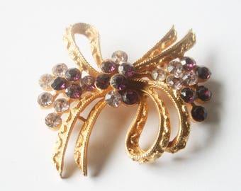 Vintage bow brooch. Purple crystal brooch. Vintage jewellery