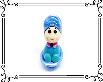 Cold Porcelain Clay Baby Oyster Figurine, Alice in Wonderland Character, Alice Cake Topper, Cupcake Topper, Fan Gift, Keepsake, Collectible