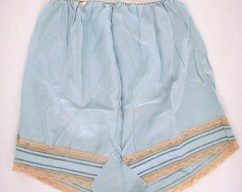 Vintage 40s 1940s Blue Tap Panties - Ice Blue and Off White Lace Tap Panty w Original Tag - Pin Up Bombshell Tap Panties - New Old Stock NOS