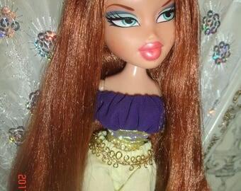 Red head Bratz doll, 10 inches Meygan, Genie Magic, 2001