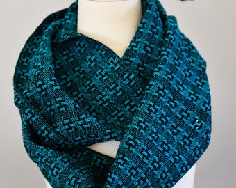Handwoven Cotton Lace Loop Scarf Turquoise + Black