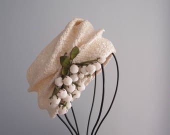 1960s straw hat / Ivory White softly structured Cloche Turban Toque with Lily of the Valley flower buds