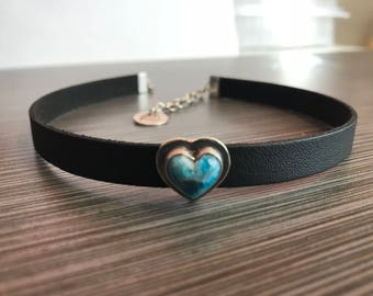 Choker - Natural Blue Apatite hand cut heart - Sterling Silver - Vegan Suede