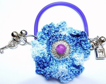Bracelet 'sentimental', crocheted flower, new collection