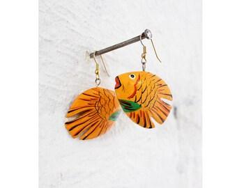 Fish Dangle Earrings • Vintage Dangle Earrings • 80s Earrings • Painted Wood Earrings • Tropical Fish Earrings • Summer Earrings | E281