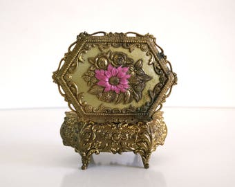 Vintage Filigree Trinket Box / Jewelry Box  / Ring Presentation box