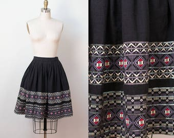 1950s Guatemalan skirt / Embroidered Skirt