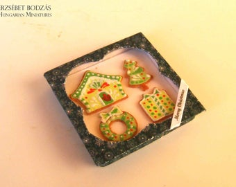 Gingerbread cookies in a box