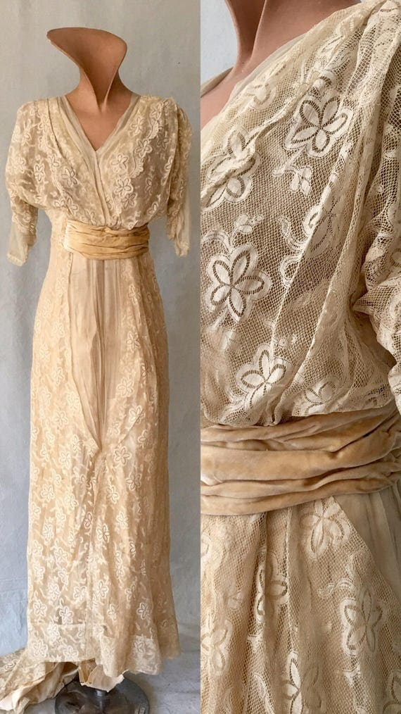Edwardian Lace Embroidered Wedding Gown size M or S