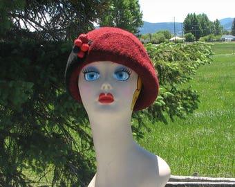 """Retro Knit Felt """"Stewy"""" Hat Cloche Black Garnet Red Felted Ball Pin"""