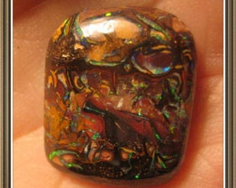 Koroit Boulder Opal cabochon, 22x18x5 mm, 17.10 cts.