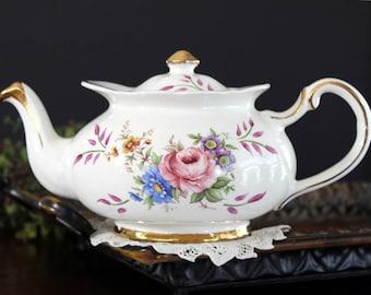 Delightful Price Kensington Teapot, Pink Roses, Elegant Tea Pot, Made in England 13990