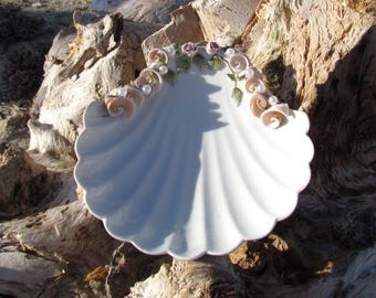 Lefton China Ceramic Clam Dish, Jewelry Dish, Soap Dish