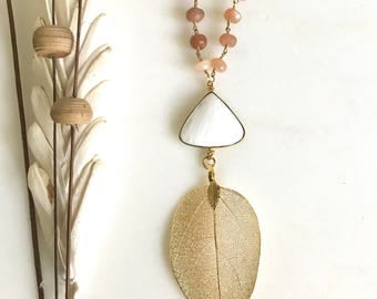 Long Gold Leaf and White Lace Stone Necklace with Moonstone Beaded Chain. Pendant Necklace. Druzy Necklace. Boho Necklace. Jewelry. Gift.