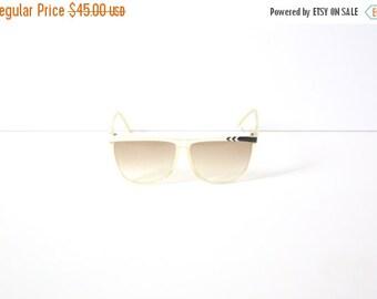 25% OFF ST. PATRICKS sale Vintage white retro sunglasses // large oversized sunglasses // tinted sunglasses // hipster glasses // faded tint