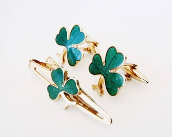 "Vintage Shamrock Cuff Links and Tie Bar Set by Stratton ""Nippy-Clip - Made in England - Imitation"" Green Enamel Clovers on Goldtone Metal"