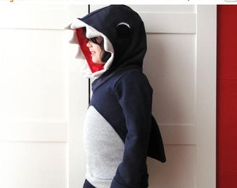 Kids hoodie, shark sweatshirt, jaws sweatshirt, jaws sweater, unisex kids clothes. Halloween costume, sustainable clothing, made in Italy