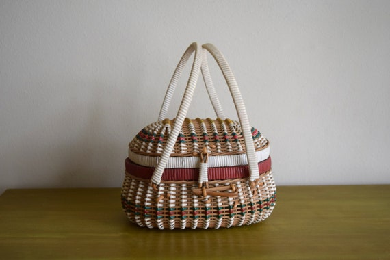 Small Vintage Woven Sewing / Gathering Basket w/Handles -  Bohemiam, Farmhouse, Natural, Rustic, Eclectic