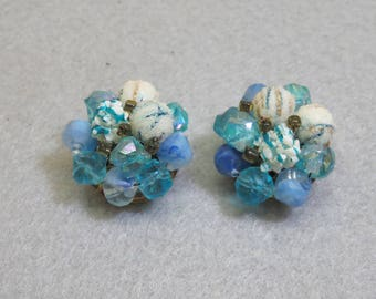 Blue and White Beaded  Clip On Earrings, 1960 Beaded Earrings, Fun Summer Clip Ons
