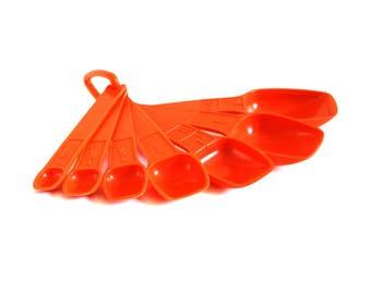 Orange Tupperware Measuring Spoon Set Complete Tangerine (as-is)