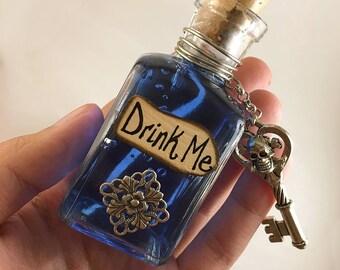 Deadly Drink Me - Medium Alice in Wonderland Display Vial
