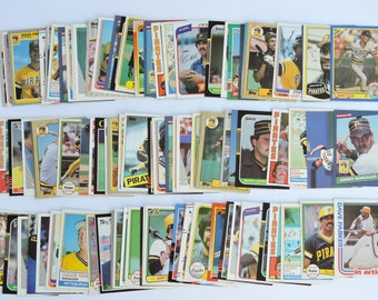 Pittsburgh Pirates - Lot of 100 Assorted Vintage Baseball Cards